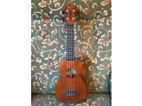Ukulele. Barnes and Mullins. The Bowley. Antique finish. Rosewood fretboard. Case & Strap.