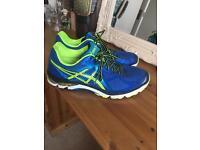 Asics GT-2000 running shoes men's - size 9.5 LIKE NEW