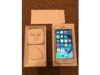 iPhone 7 silver 128gig UNLOCKED still under warranty more than a year