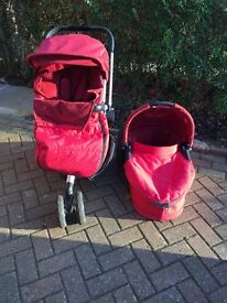 Rocking red Quinny buzz travel system with lots of extras!