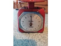 classic collectable kitchen weighing scales