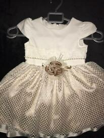Gorgeous child's dress 3-4 years