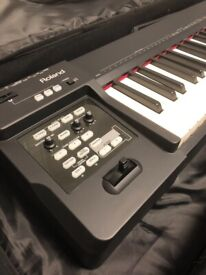 Roland RD64 electric piano *no damage* never been used.
