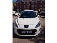 Peugeot 308 active HDI White 27400 mi. AS GOOD AS NEW