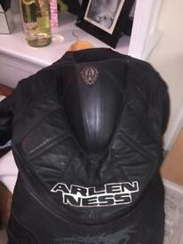 Arlen ness leathers size 42