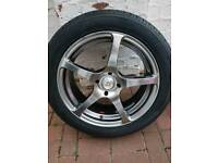 Car alloy wheel 215 50 17 only one