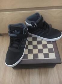 Adidas trainers size 5 1/2