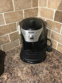 Delonghi coffee machine. Excellent condition, used a couple of times. Instruction book available