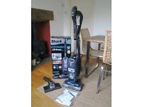 SHARK LIFT AWAY vacuum cleaner almost new