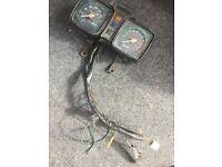 Suzuki GS125 speedo and rev counter clocks