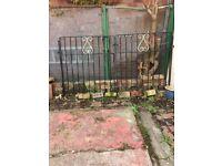 Metal gates,good condition 'Rock Mount'