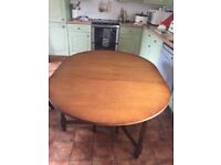 OAK OVAL GATELEG DINING TABLE, MEASURES 142CM X 106CM, DELIVERY AVAILABLE AT COST
