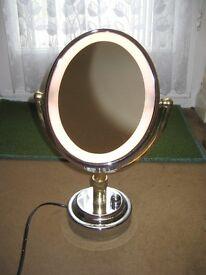 Revlon Electric Illuminated Make Up Mirror - Type M51