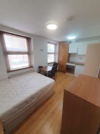 Studio flat with open plan kitchen near Vauxhall/Oval tube including gas, water and Wi-Fi.