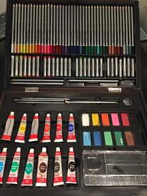 Art set with tabletop easel