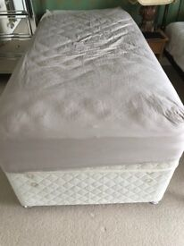 Single Divan bed with drawers and Mattress