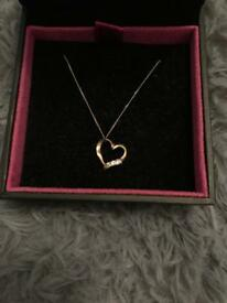 9ct hold heart necklace