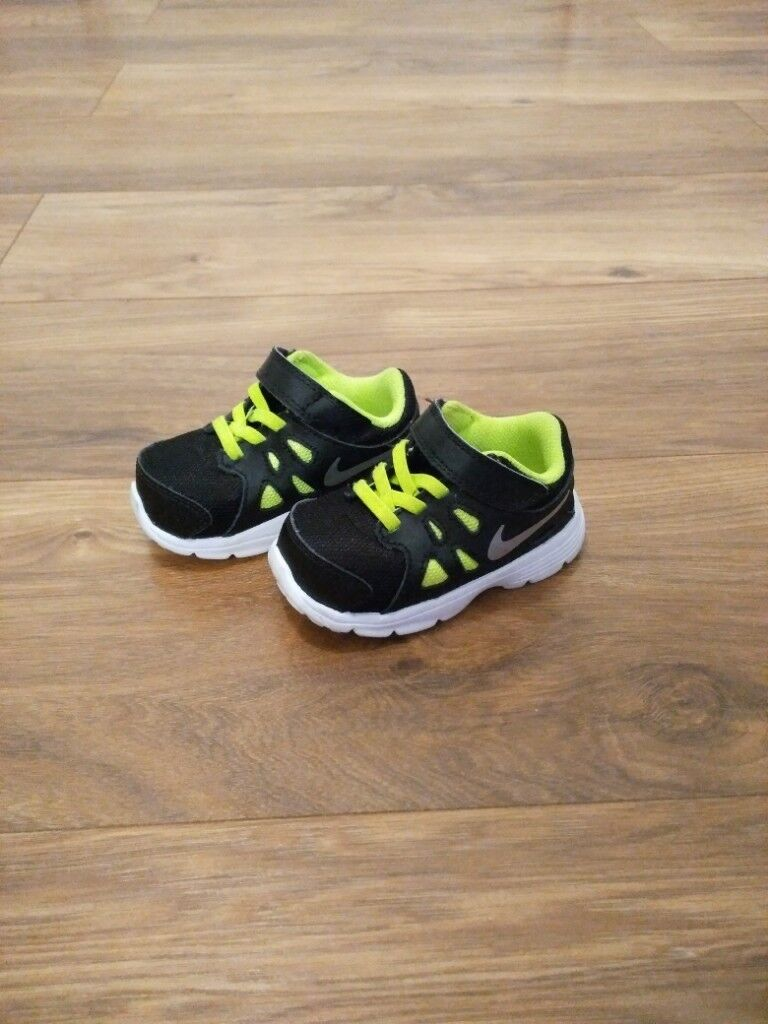 Infant Nike Baby boy shoes 4.5  9fc5426b1be5