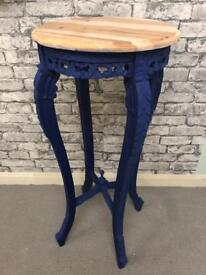 Stunning lamp/plant table in blue