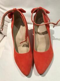 Ladies heeled shoes Brand new Never bin worn size 43