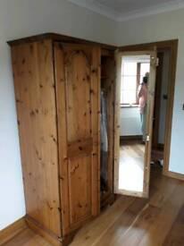 Ducal pine wardrobe