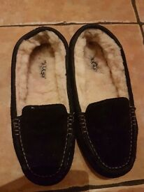 Barely Used Uggs Slippers In Good Condition £30 For Quick Sale