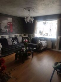 flat swap looking for house or flat with money available for the right property