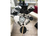 Roland TD-1KV V-Drums Electronic Drum Kit with Mesh Snare And Amp