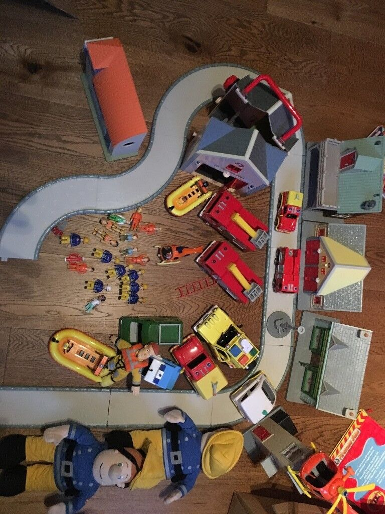 Fireman Sam Buildings, Figures and Vehicles