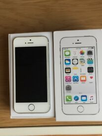 Apple iPhone 5s 16GB Unlocked in Original Box and Mint Condition ***L@@K***