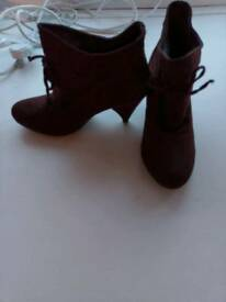 New dark brown shoes size 5/38
