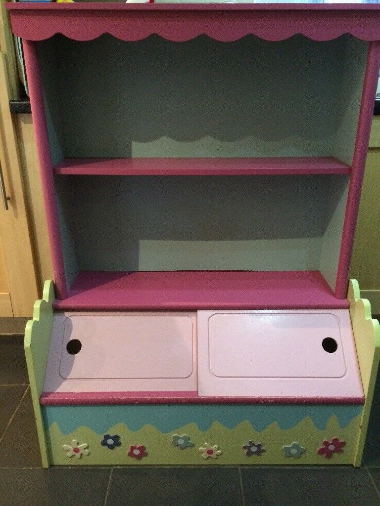 Girls bookcase/storage