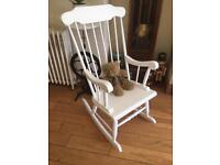 LOVELY SSHABBY CHIC ROCKING CHAIR NO MARKS OR SCRATCHES