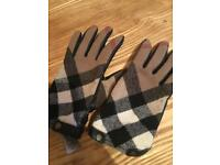 Burberry leather ladies gloves