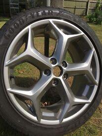 Focus st 250 mk3 alloy wheel