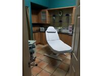 BEAUTICIAN / NAIL TECHNICIAN (Self Employed) - ROOMS TO RENT - Good Location