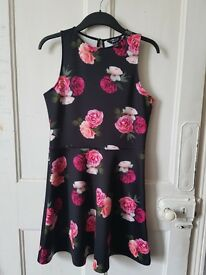 Teen's New Look flowery summer dress. never worn.