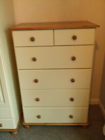 Pine cream chest of drawers excellent condition