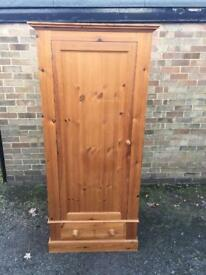 Single pine wardrobe (delivery available)