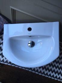 Bathroom sink vgc