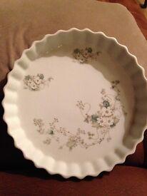 Decorative flan dish