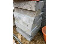 Two concrete blocks and 10 thermalight blocks