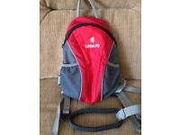 Little life toddler back pack with parent handle.