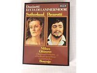 Pavarotti singing Lucia Lammermoor