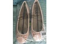 Flat shoes size 7 brand new