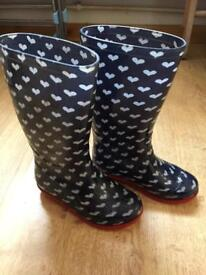 Girls size 10 wellies