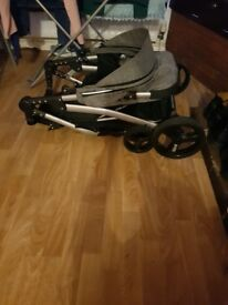 Sell ​​prams used 3 times in good conditions.