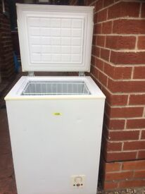 LOGIK CHEST FREEZER IN GOOD WORKING CONDITION