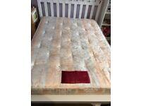 Pocket sprung double mattress