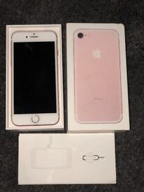 iPhone 7 Rose Gold 128gb Like new no scratches/cracks in original Apple box with accessories